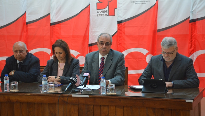 FNE apresentou reivindicações para os Trabalhadores da Educação. Documento pretende repor direitos e será entregue ao novo Governo