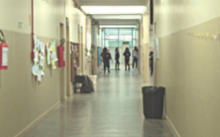 Professores preocupados com saúde mental e falta de funcionários nas escolas (LUSA)